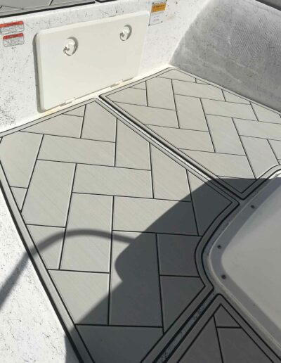 Chill Gray / Black in Paving Pattern